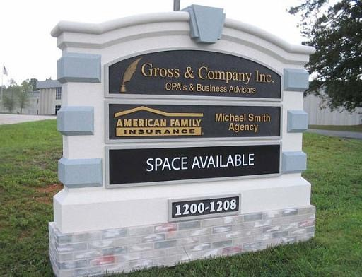 Gross and Company Changeable Tenant Panels - Changeable Message Outdoor Sign Monuments
